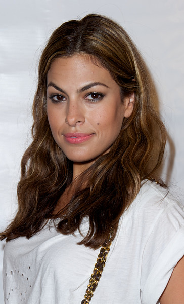 Eva Mendes appears at the Sunset Towers on Thursday July 15, 2010 in Los Angeles<br /> (AP Photo/Earl Gibson III)