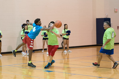 022515_FacultyVsStudents_BasketballGame-0204