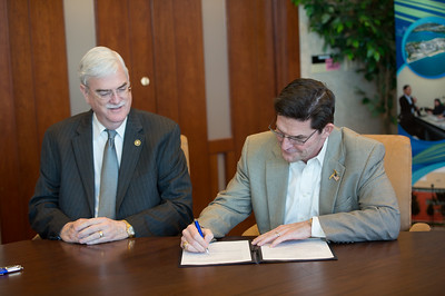 Flavius Killebrew(left) and Bart Braselton during the Braselton Homes Endowed Scholarship in Entrepreneurship recognition signing. Monday November 23, 2015 at Texas A&M Corpus Christi - University.