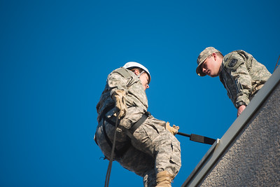 012216_Rappelling-2838