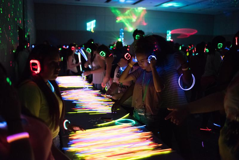 082316_GlowParty-1187