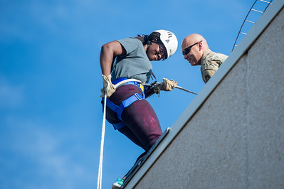 082616_Rappelling-7957