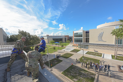 082616_Rappelling-2047