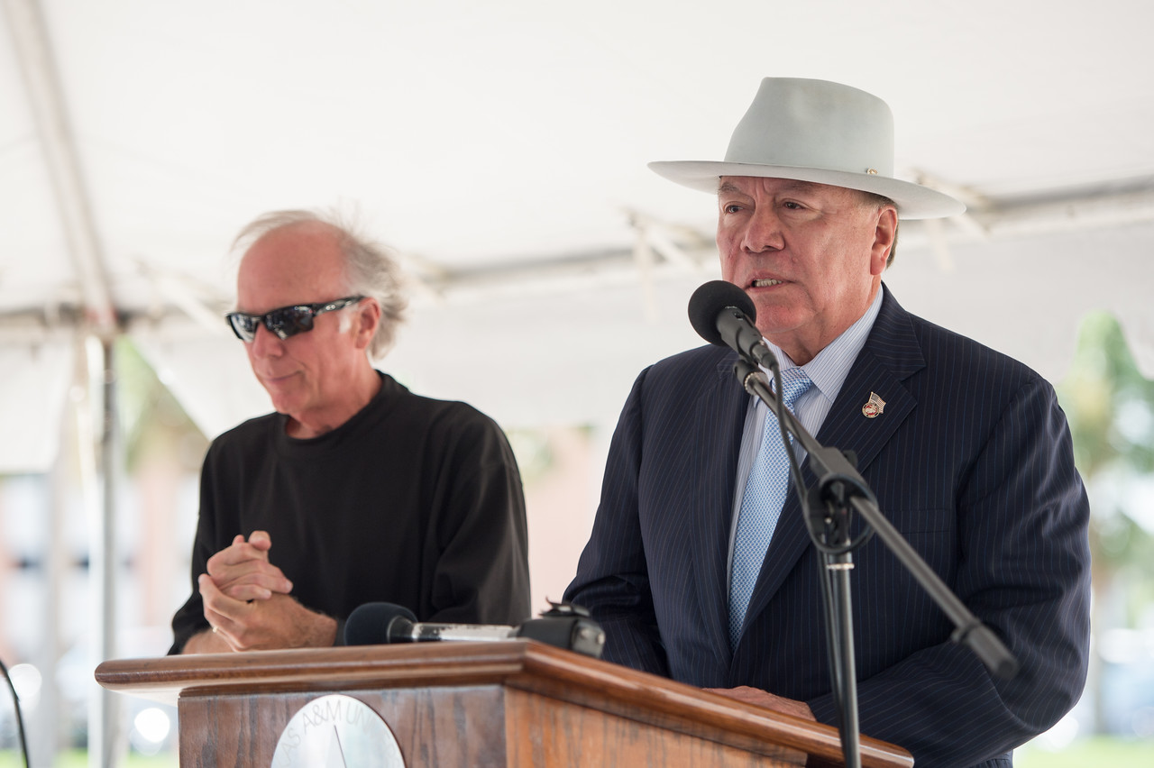 Todd Hunter (left) and Chuy Hinojosa during the ground breaking ceremony.