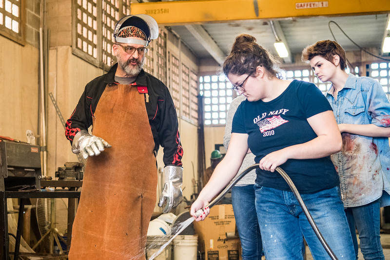 Professor Jack Gron instructs student Abigail Harris during Intermediate Sculpture.