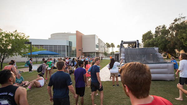 040417_GreekWeek-ObstacleCourse-2641