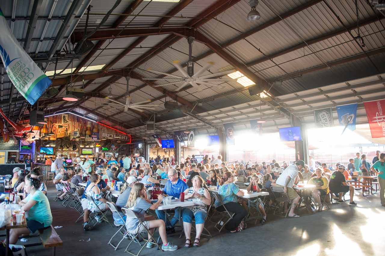 """A large crowd gathered for the Live Screening Event of """"The Lost Cage"""" at Brewster Street Ice House! FMI: http://bit.ly/2v6x5Si"""