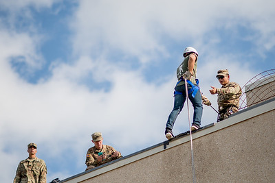 091517_ROTC_Rappelling-4139