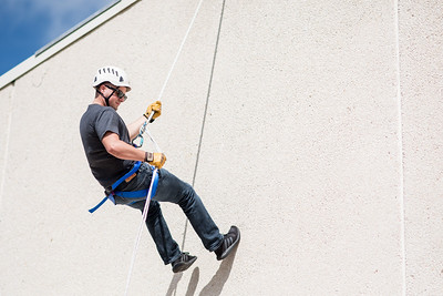 111417_Rappelling-2113