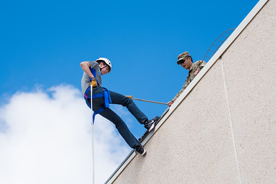 111417_Rappelling-2127