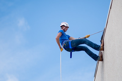 111417_Rappelling-2099