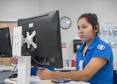 111717_NursingTransitionsSimulation_LW-2899