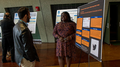 120617_COMMSeniorCapstoneResearchPosterSessions_LV-5652