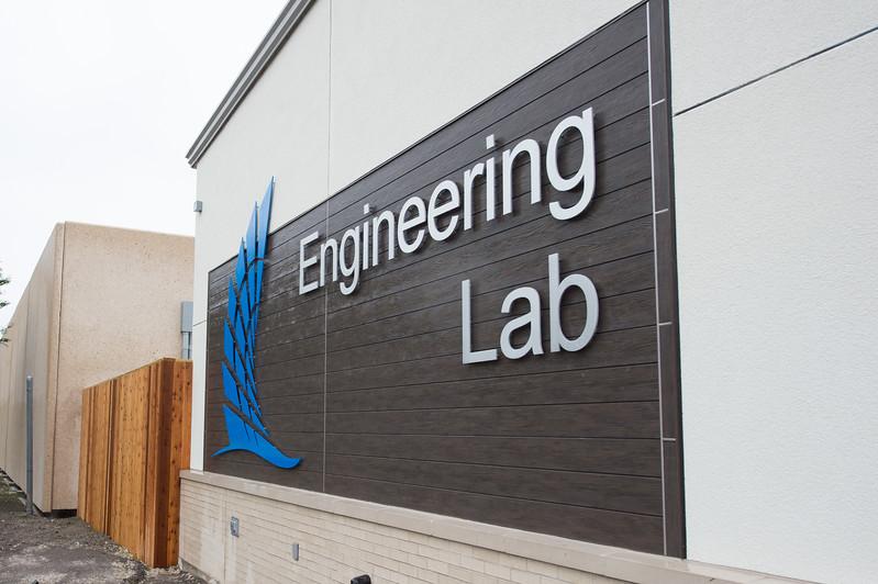 120617_EngineeringLabTour-8070