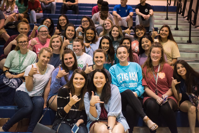 Shakas up at the Faculty/Staff vs. Students Basketball Game!