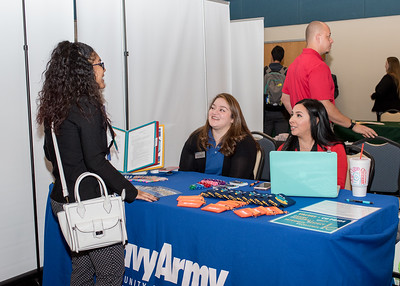 2018_03067-CareerFair_LW-8579