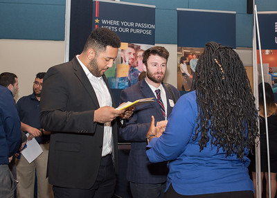 2018_03067-CareerFair_LW-8585