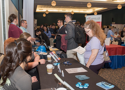 2018_03067-CareerFair_LW-8588