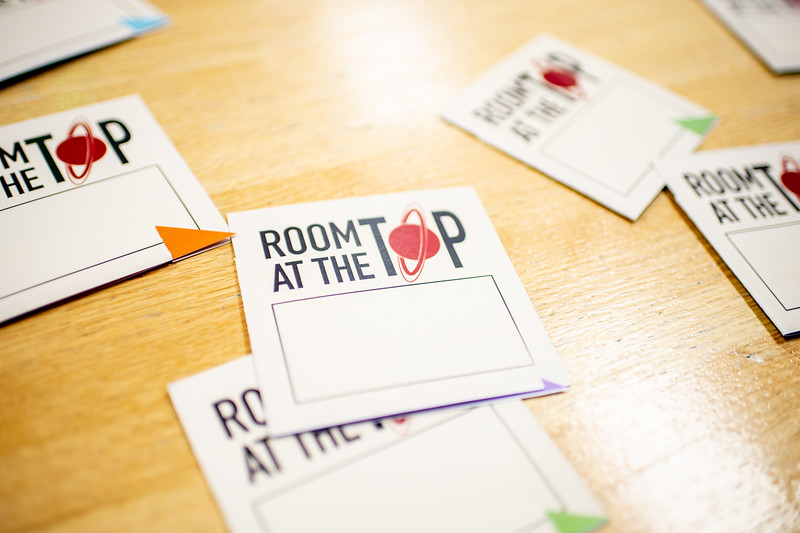 2018_0405-RoomAtTheTop-CommWk-0919