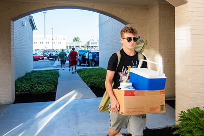 2018_0823-Move In Day-3548