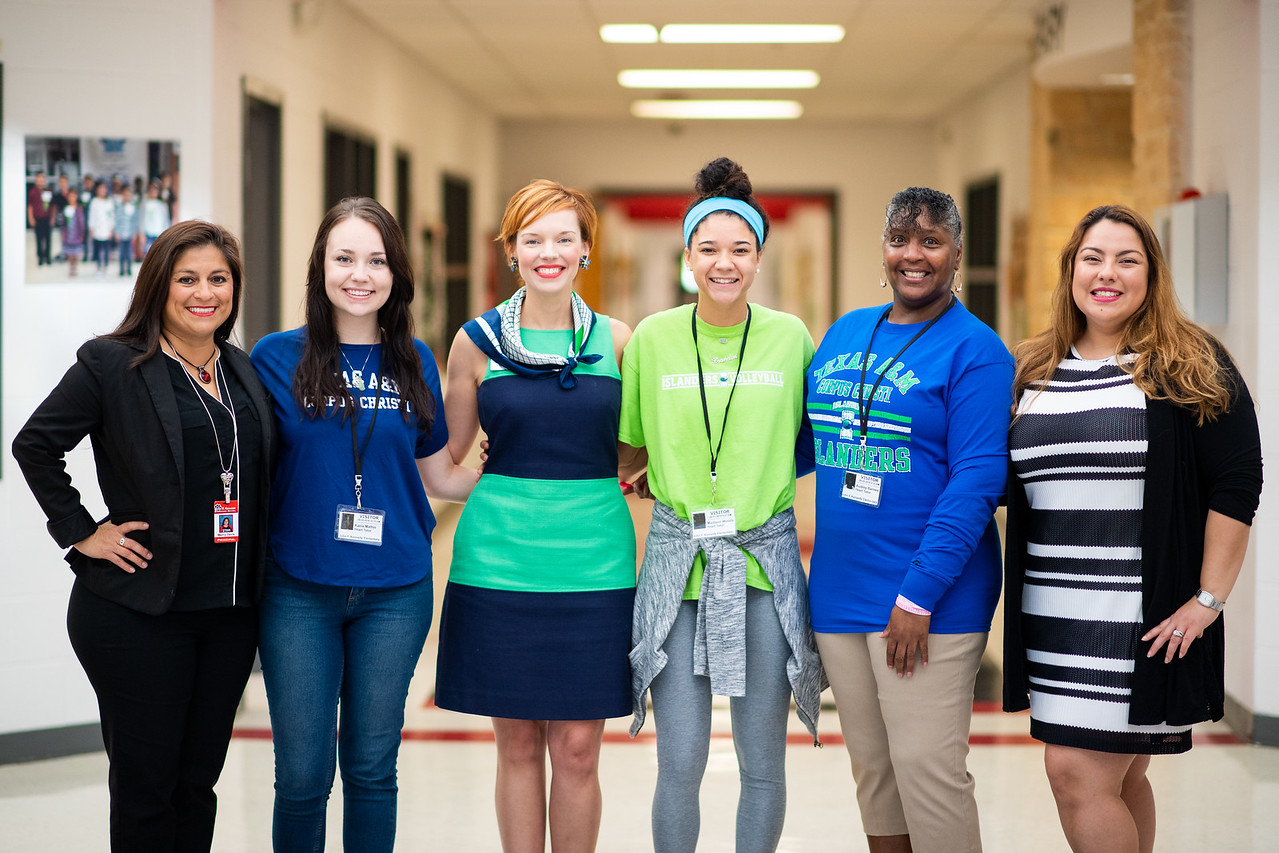 Marcy Davis. (left), Kaela Mathis, Dr. Bethanie Pletcher, Maddie Woods, Audrey Barnes, and Roana Rivera.