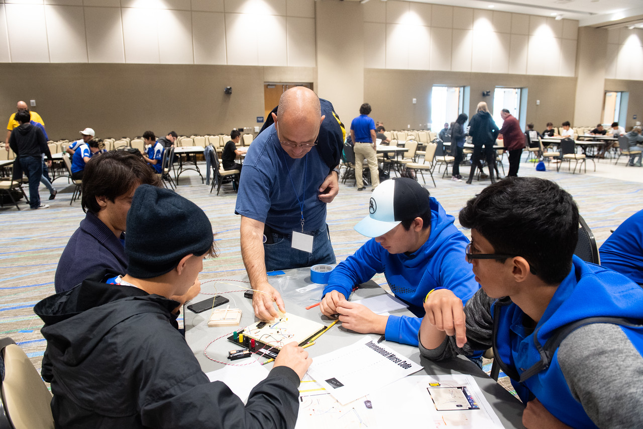 2018_1012-EngineeringCompetition-5248