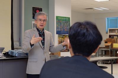Dr. Lea-Der Chen (left) at the 2nd Southwest Asian Symposium.