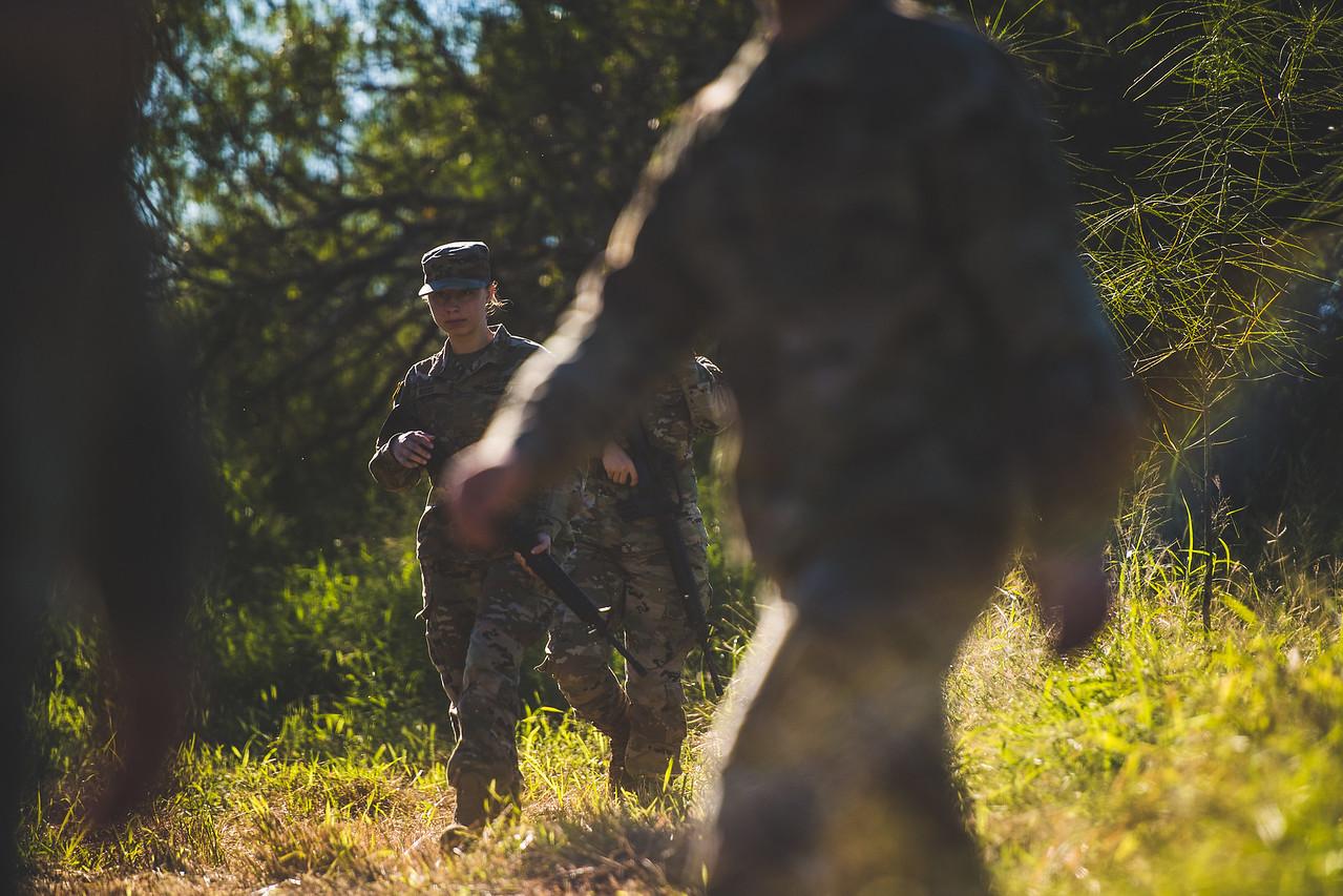 2018_1102-ROTC-Drills-0410
