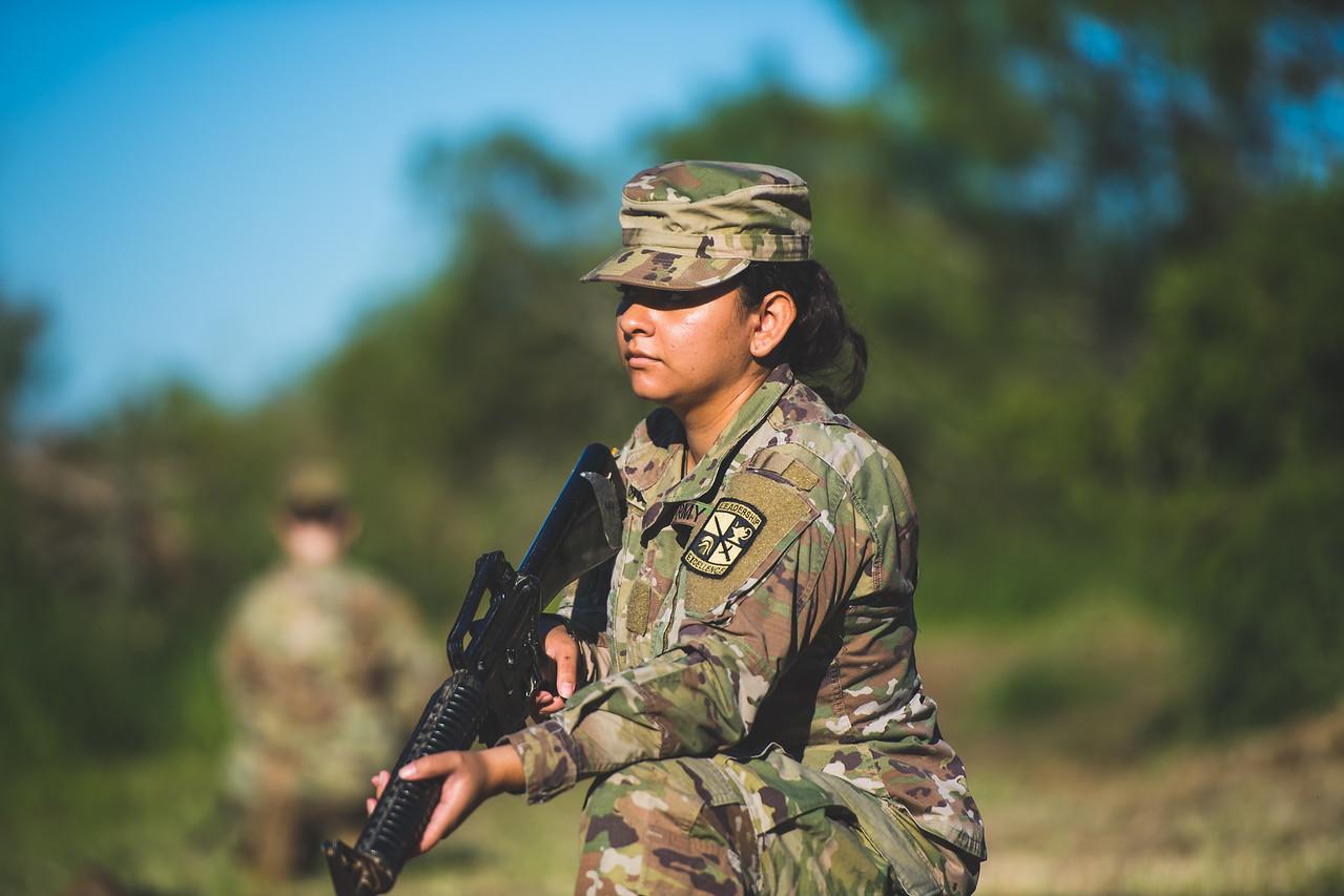 2018_1102-ROTC-Drills-0429