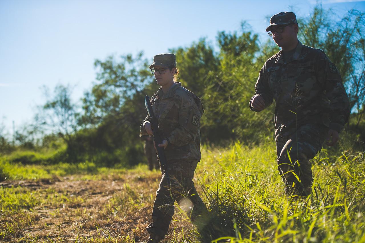 2018_1102-ROTC-Drills-0407