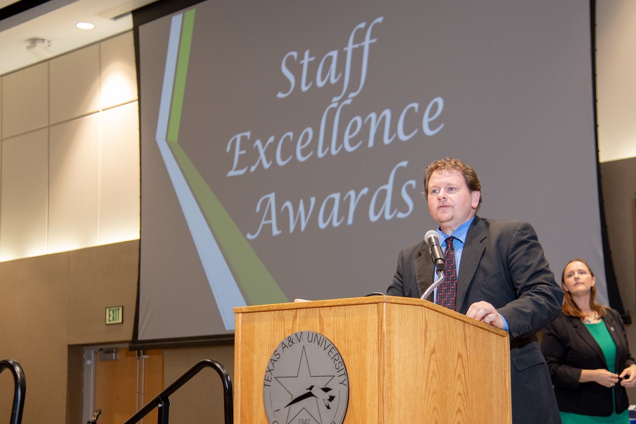 2019_0426-EmployeeAwards-5807