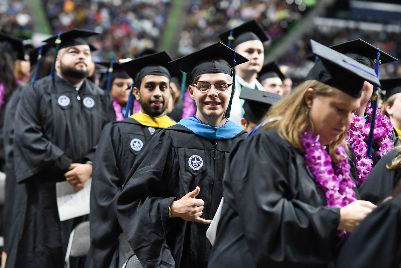 2019_0511-SpringCommencement-LowREs-9557