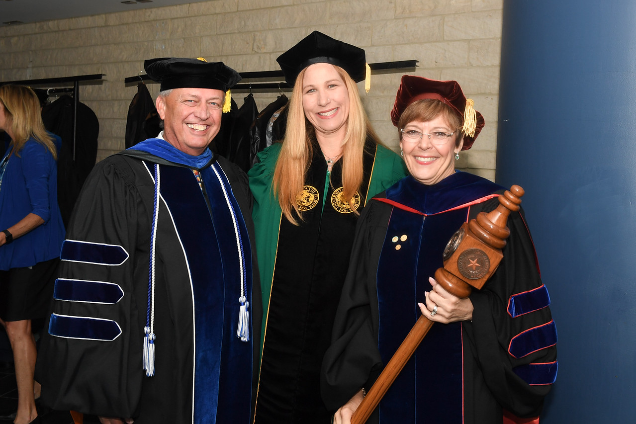 2019_0511-SpringCommencement-LowREs-9397