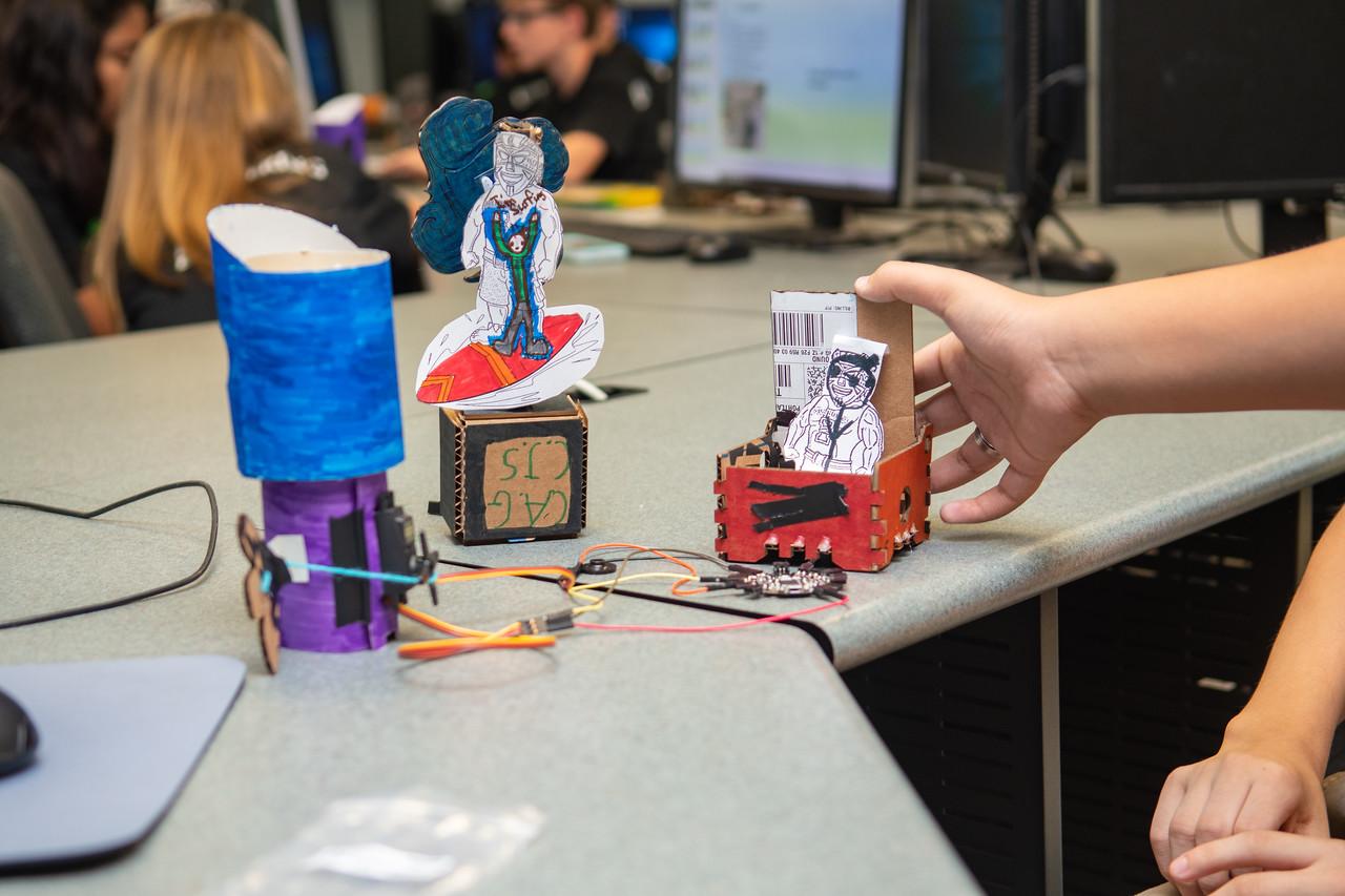 2019_0619-STEM-TronicsCamp-MK-6667