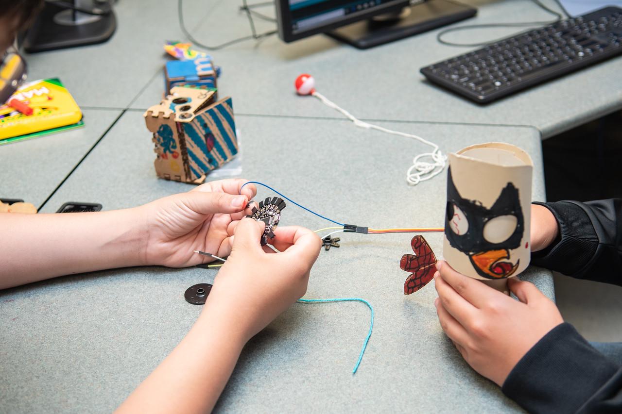 2019_0619-STEM-TronicsCamp-MK-6631