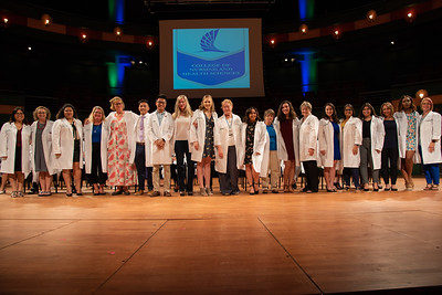 2019_0917-WhiteCoatCeremony-2414