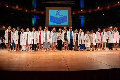 2019_0917-WhiteCoatCeremony-2401