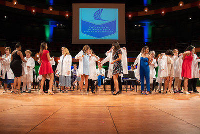 2019_0917-WhiteCoatCeremony-2398