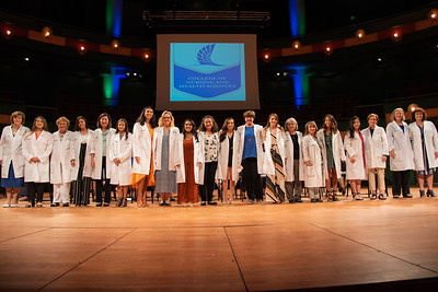 2019_0917-WhiteCoatCeremony-2405
