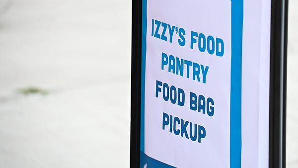 20200402-FoodPantryPickUp-5689