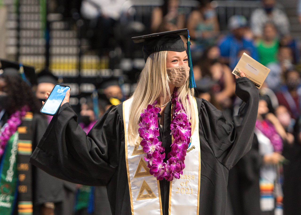 20210515_Commencement-WW-5834