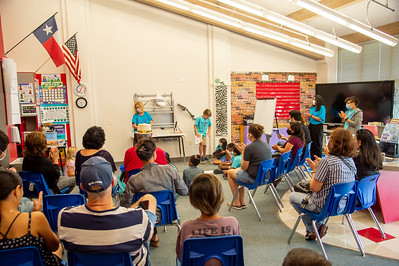 2021_0625-YoungAuthorsCamp-mm-1035