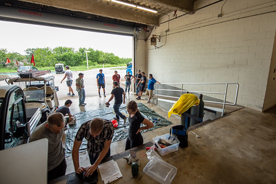 The workshop moves into the NRC loading dock to prepare for the weather balloon launch.