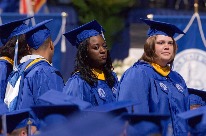 2007_spring_commencement_0645