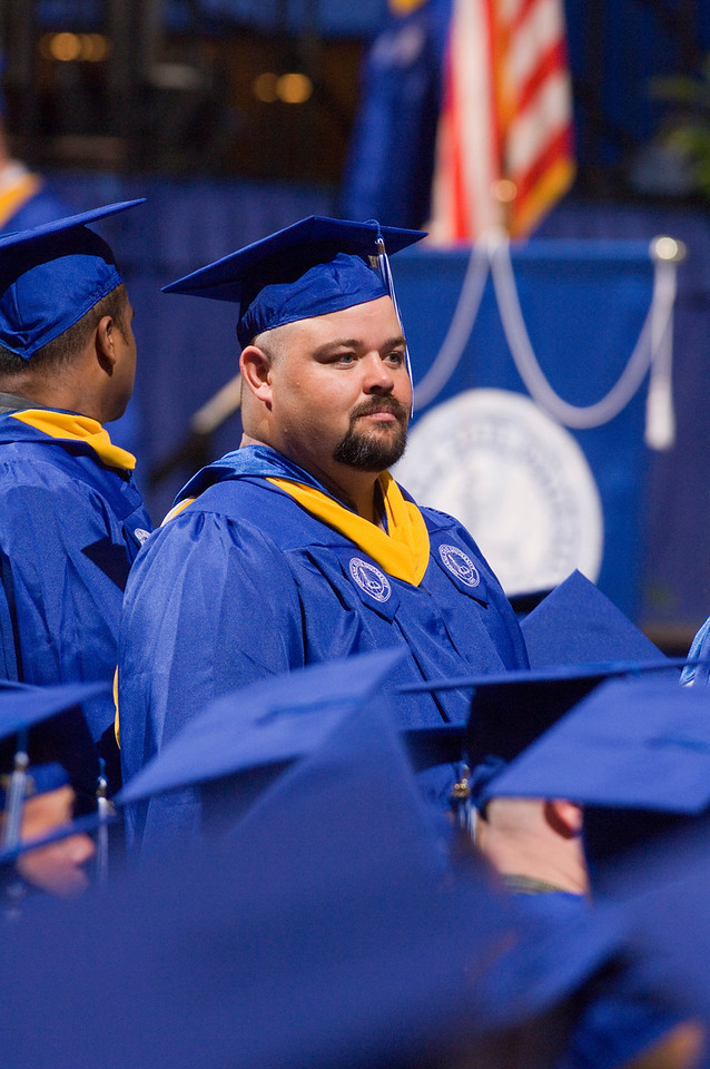 2007_spring_commencement_0647