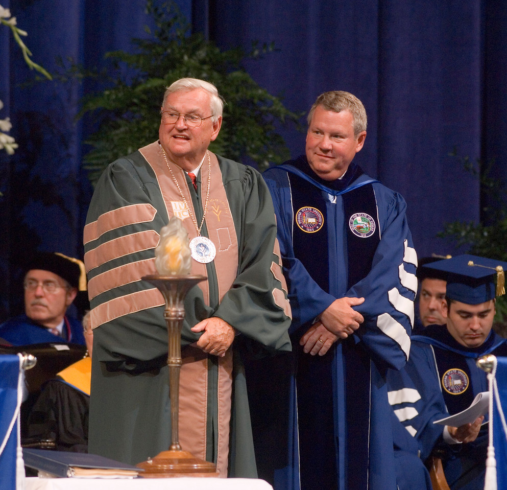 2007_spring_commencement_0620