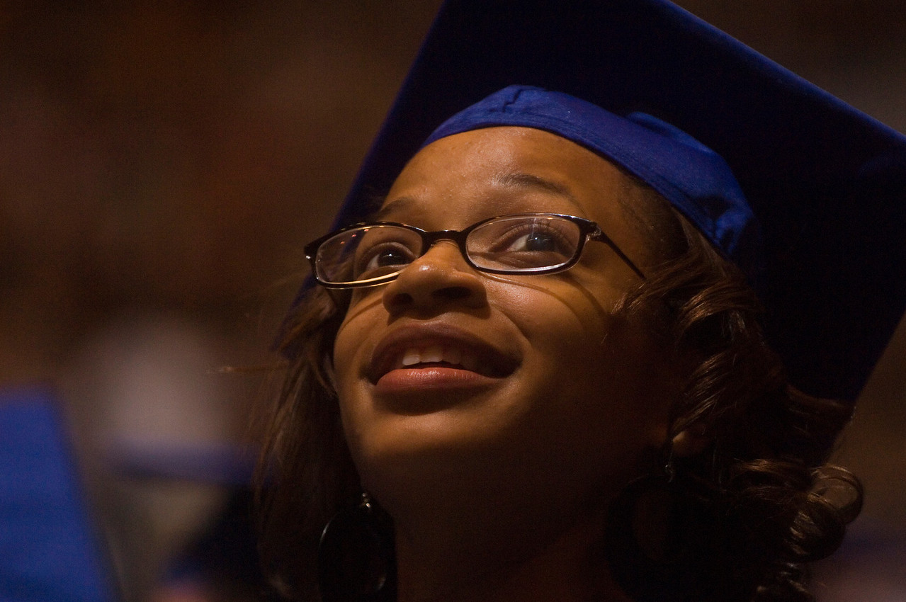 2007_spring_commencement_0563