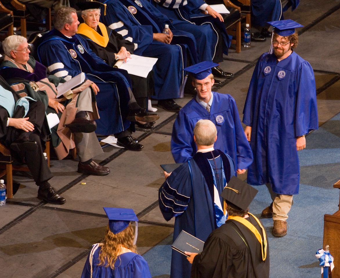 2007_spring_commencement_0683