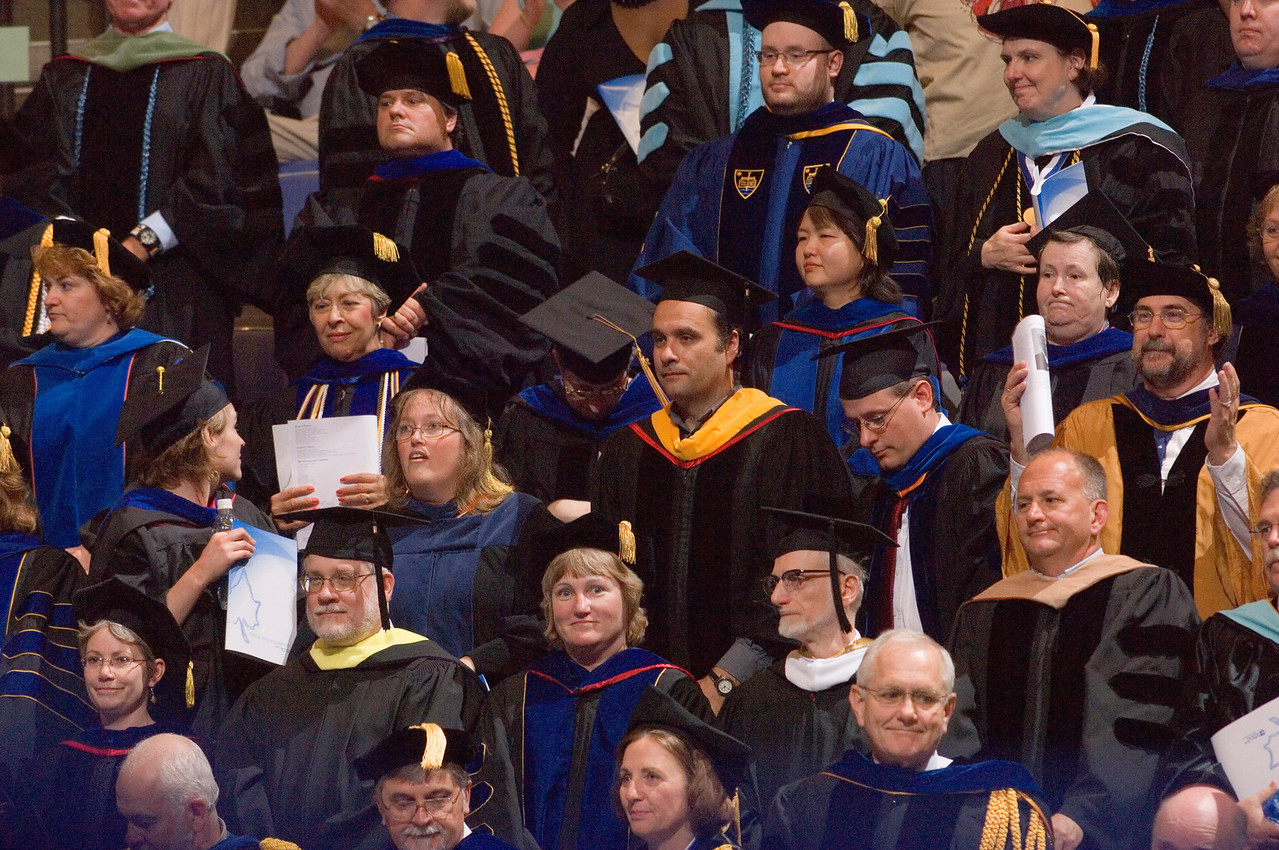 2007_spring_commencement_0588