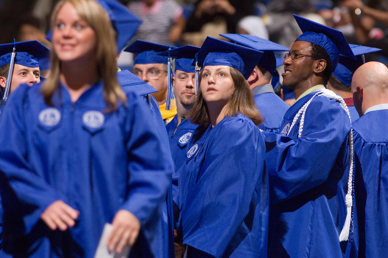 2007_spring_commencement_0545
